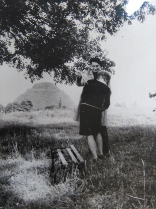 Karol chętnie pozował do zdjęć podczas wizji lokalnej