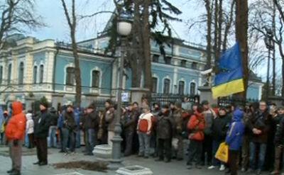 Demonstranci zaczęli blokować ukraińskie urzędy państwowe