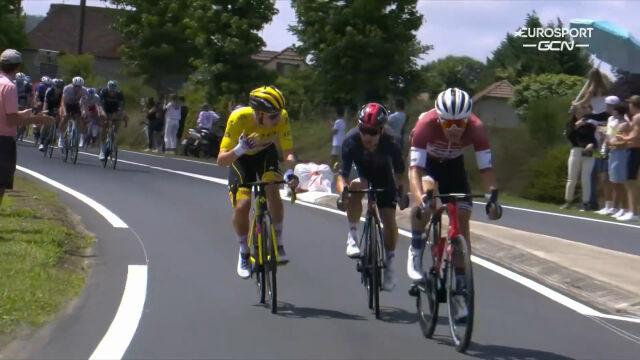 Pogacar zezłościł się na atakujących kolarzy po kraksie z początku 19. etapu Tour de France