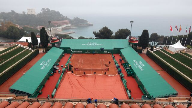 Hurkacz musi czekać. Deszcz torpeduje mecze w Monte Carlo