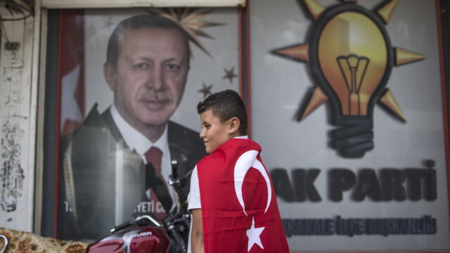 Erdogan appeal to compatriots: drop cigarettes and drink tea