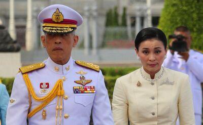 Król Maha Vajiralongkorn i Sineenat Wongvajirapakdi