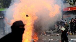 Szabrownicy zaatakowali sklep. Polak przypadkową ofiarą w czasie zamieszek w Chile