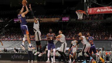 Booker znów zachwycił. Słońca drugim najlepszym zespołem NBA