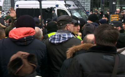 Mateusz Kijowski brałudziałw manifestacji w Łodzi