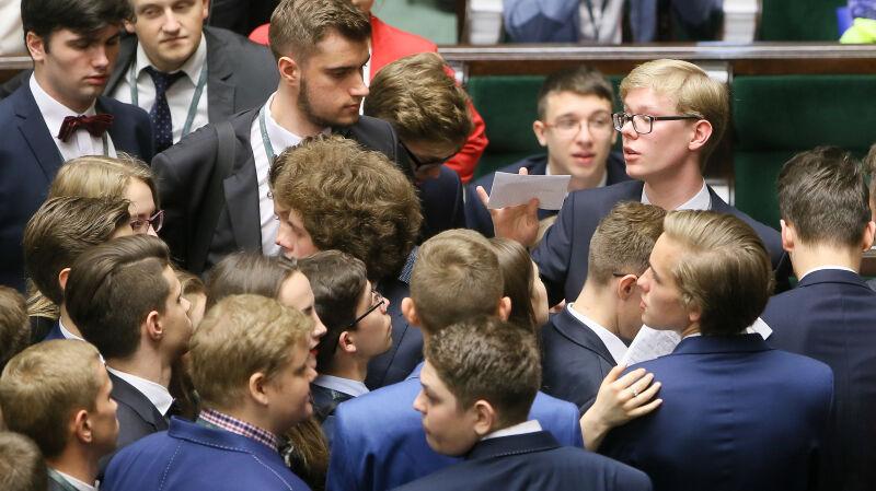 Cała debata nad uchwałą Sejmu Dzieci i Młodzieży