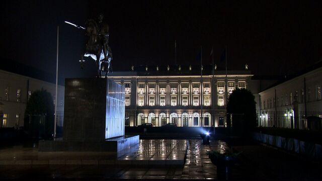 Prezydent Andrzej Duda odebrał w nocy ślubowanie od czterech nowych sędziów TK