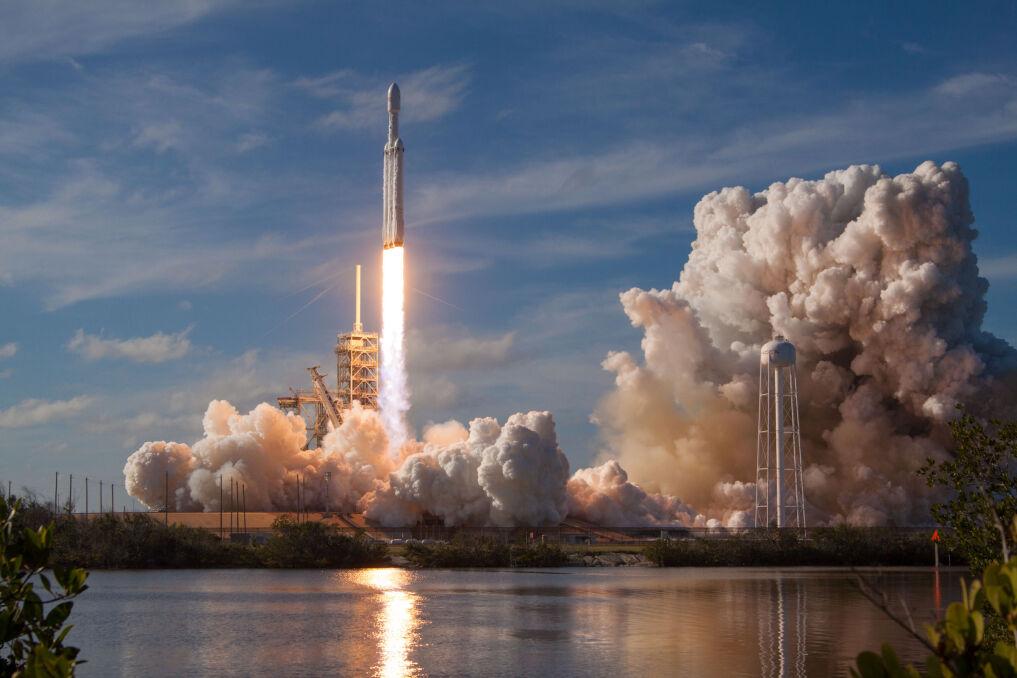 Pierwsza Falcon Heavy wzniosła się z przylądka Canaveral 6 lutego 2018 roku