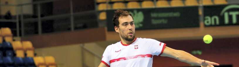 Udany powrót Janowicza do reprezentacji. Polacy pewnie prowadzą w Pucharze Davisa