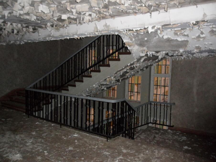 Budynki, które miały być synonimem luksusu i potęgi zamieniły się w ruinę