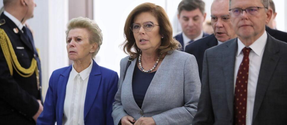 """Kidawa-Błońska """"wolałaby się dowiedzieć  od Jaśkowiaka"""". Schetyna: to twardy zawodnik"""