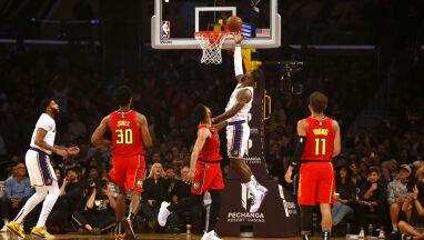 Popis Jamesa na oczach legendy. Lakersi nie oddali prowadzenia