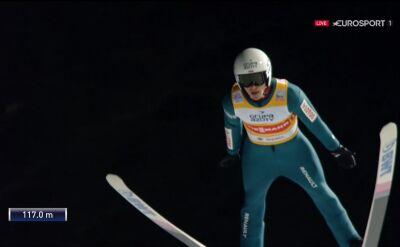 Skok Piotra Żyły z 2. serii konkursu drużynowego w Wiśle