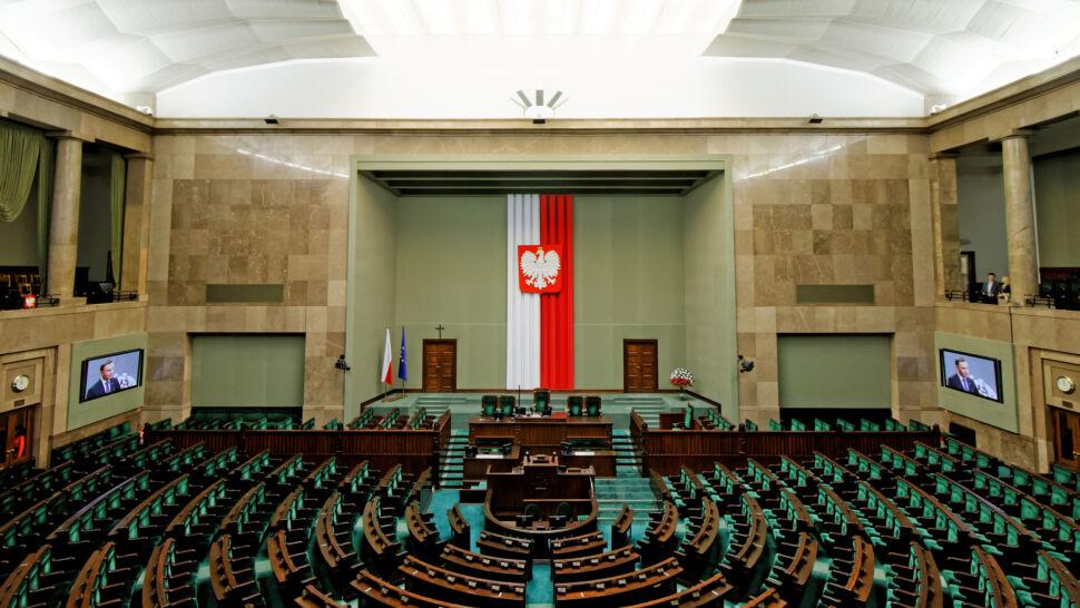 Sondaż CBOS: pięć ugrupowań w Sejmie, w tym Wiosna Biedronia