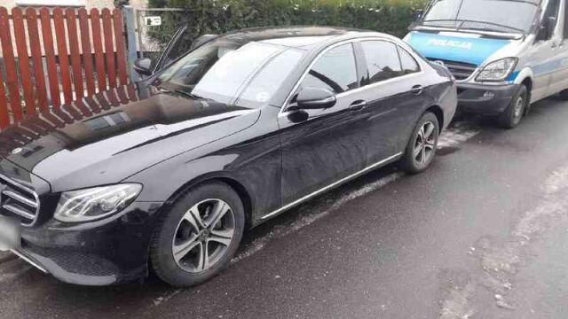 Policja: w Niemczech ukradli luksusowe mercedesy, w Polsce chcieli je sprzedać