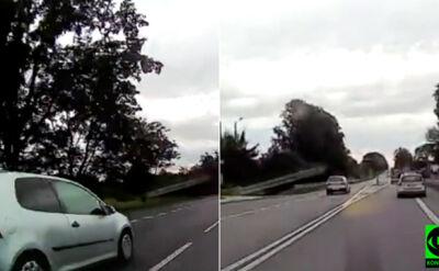 Pod prąd, na czołówkę. Niebezpieczna jazda kierowcy
