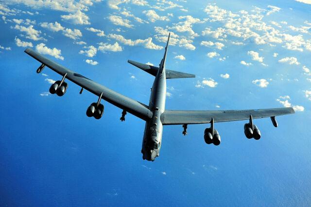 Bombowiec - matuzalem. Najmłodszy B-52 ma pół wieku