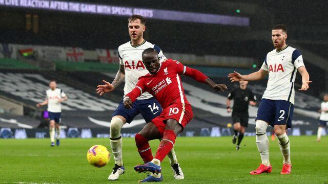 Liverpool przełamał się z przytupem. Tottenham stracił Kane'a