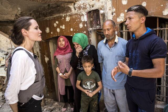 Angelina Jolie u syryjskich uchodźców.