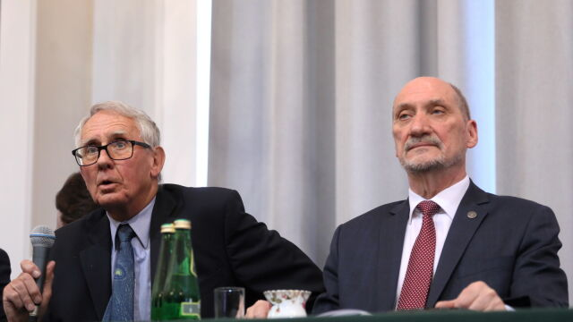 Macierewicz: bardzo ważny był raport polskich archeologów