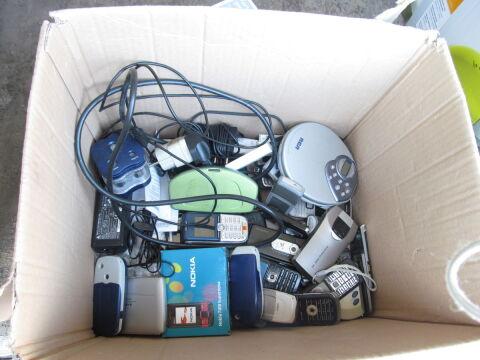 Można było oddać telefony, odtwarzacze CD, a nawet komputery