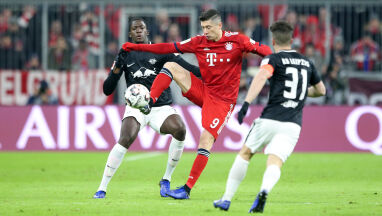 Lewandowski w słupek, Ribery do siatki. Bayern goni Borussię Dortmund