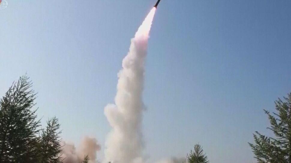 """""""Dwa niezidentyfikowane pociski"""" wystrzelone. Korea Północna zapewnia, że chce rozmów"""