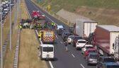 Dachowanie ciężarówki na autostradzie A2. Poważne utrudnienia