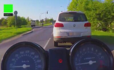 Poznań: Wjechał na pasy na czerwonym i trąbił na pieszych