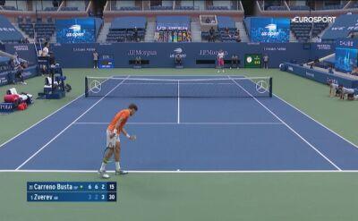 Zagranie Pablo Carreno Busty w meczu z Alexandrem Zverevem w półfinale US Open