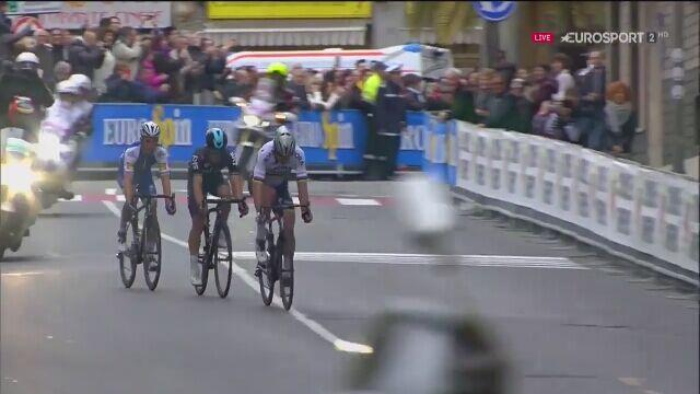 Michał Kwiatkowski pierwszym Polakiem z wygranym monumentem - Mediolan - San Remo 2017