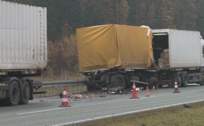 Kabina jednej z ciężarówek doszczętnie spłonęła