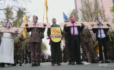 Protest przed byłą amerykańską ambasadą w Teheranie