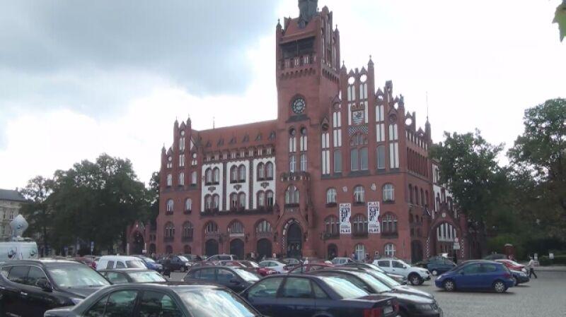 Urząd Miejski w Słupsku na wniosek obywatela musiał policzyć krzyże wiszące w pomieszczeniach urzędów i miejskich instytucji