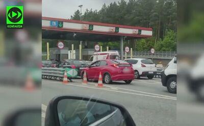 Karetka stała 2 minuty na bramkach na autostradzie