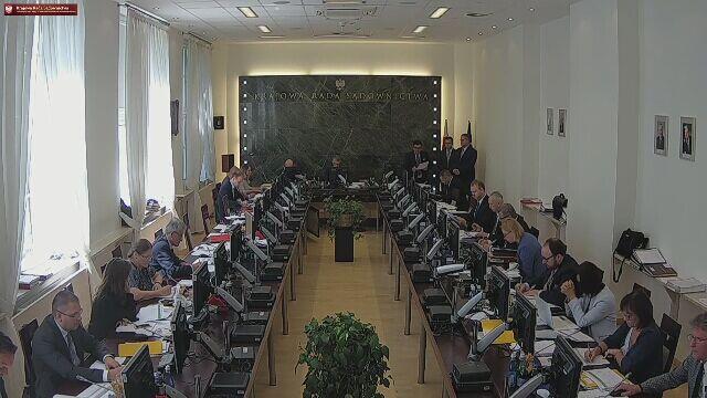 Głosowanie na posiedzeniu nowej KRS w sprawie sędziego Iwulskiego