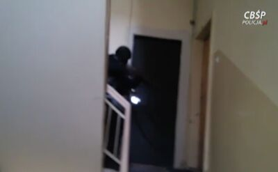 - Dopalacze działają podobnie jak narkotyki, ale sa bardziej niebezpieczne - tłumaczy policjant