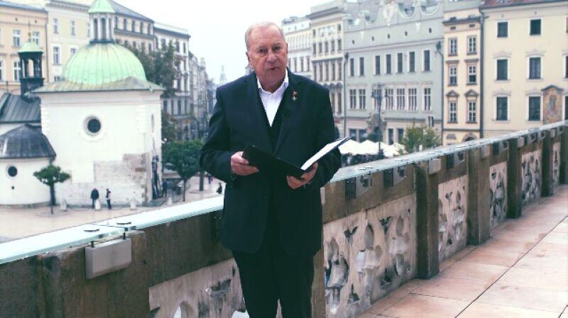 Życzenia dla Polski. Jerzy Stuhr czyta życzenia od Rafała Karolaka
