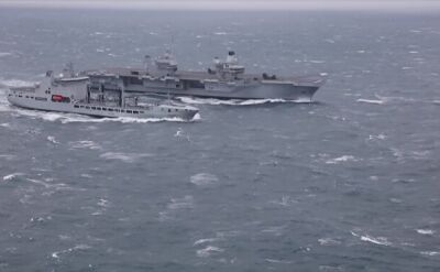 HMS Queen Elizabeth na sztormowym Atlantyku
