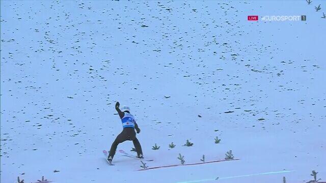 Skok Piotr Żyły z 2. serii konkursu na skoczni dużej