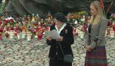 Duda przeczytałtekst podczas uroczystości pomagając uczestniczce Powstania
