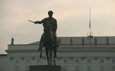 Opuszczona flaga. Świt nad Pałacem Prezydenckim