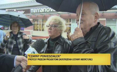 Kilkaset osób pod Dworcem Głównym w Gdańsku