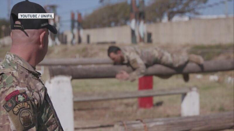 Włoscy żołnierze misji UNIFIL podczas szkolenia libańskiej armii  (dźwięk oryginalny, język angielski)