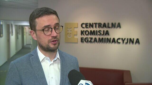 Dyrektor CKE Marcin Smolik o kłopotach z przeprowadzeniem matur