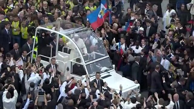 Papież żegna wiernych