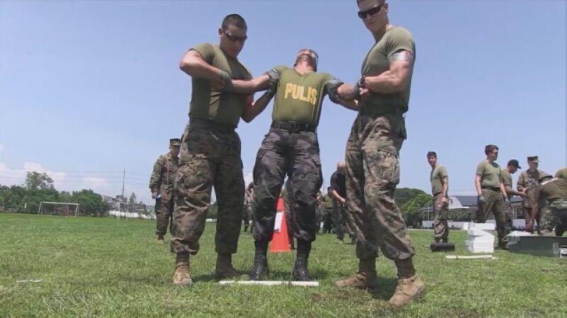 Bolesne szkolenie żołnierzy USA przy pomocy paralizatorów