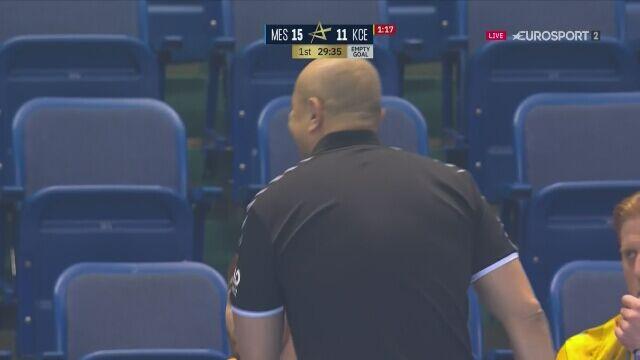 Zamieszanie w końcówce 1. połowy meczu Vive z Mieszkowem w Lidze Mistrzów