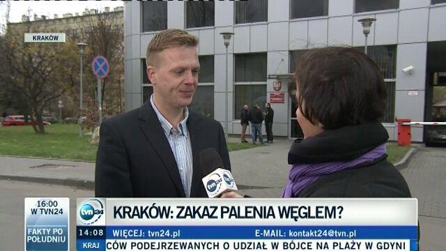 Radny Krakowa o poprawce w sprawie palenia drewnem