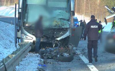 Zderzenie dwóch samochodów i autobusu w pobliżu Olsztyna